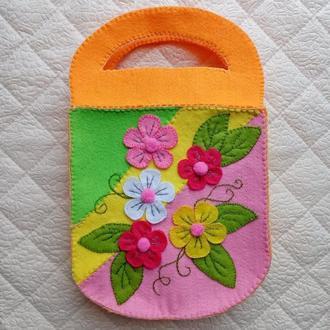 Детская сумочка (цветочная) из фетра