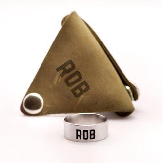 Мужское широкое стальное кольцо с именной гравировкой