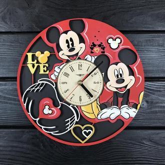 Настенные цветные часы из дерева в детскую «Микки Маус»