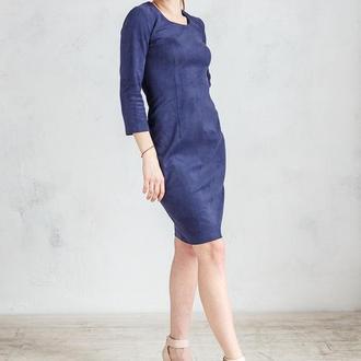 Платье футляр замшевое мини  темно-синее