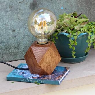 Настольный светильник  в стиле лофт. Лампа Эдисона.Кубический светильник из дерева дуба.