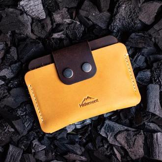 Кожаный мини-кошелек с клапаном на двух прочных кнопках в Желтом цвете 0035