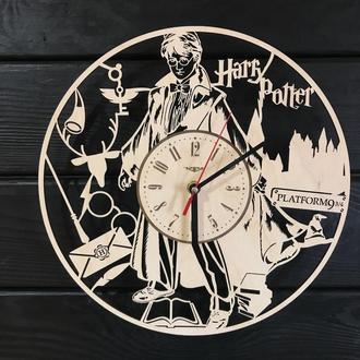 Часы из дерева «Магия Гарри Поттера»