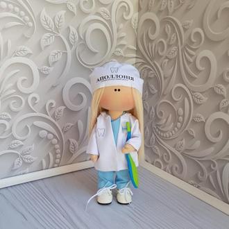 Тематическая текстильная кукла - врач