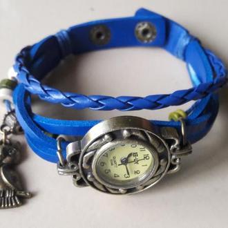 Стильный синий браслет на руку