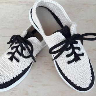 Кроссовки (кеды) чёрно-белые