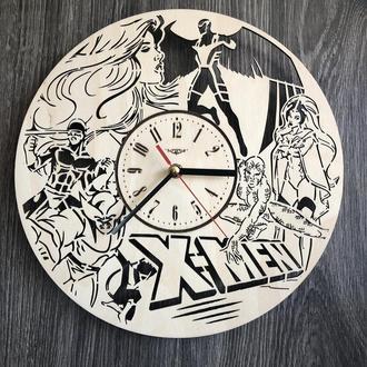 Дизайнерские настенные часы из дерева «Люди Икс»