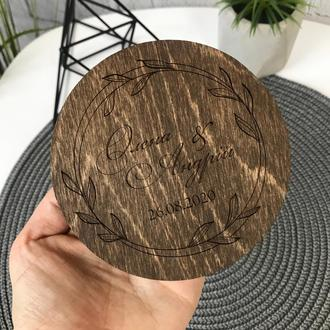 Деревянная свадебная шкатулка для колец с мхом