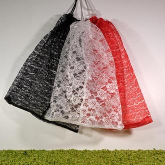 Набор гипюровых мешочков чёрный-белый-красный