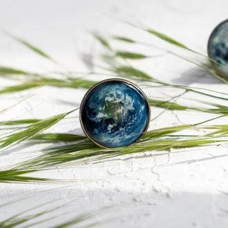 Регулируемое кольцо с изображением Земли