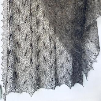 Ажурный палантин в эстонском старинном стиле с традиционными узорами