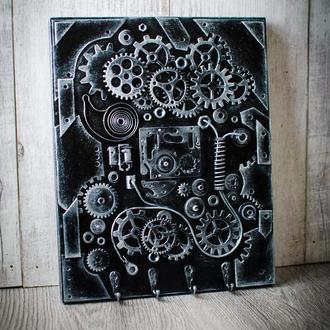 Ключница в стиле лофт ′The Keeper of Secrets′