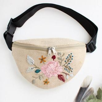 """Поясная сумка, бананка с вышивкой  """"Bouquet"""""""