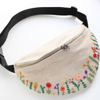 """Бананка, поясная сумка с вышивкой """"Полевые цветы"""""""