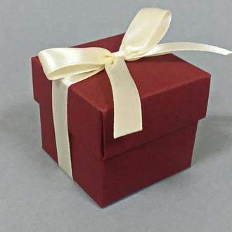 Бонбоньерка коробочка с крышечкой бордовая