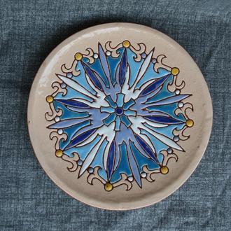 Керамическая тарелка на стену