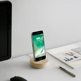 Дерев`яна підставка для телефону, зарядна станція