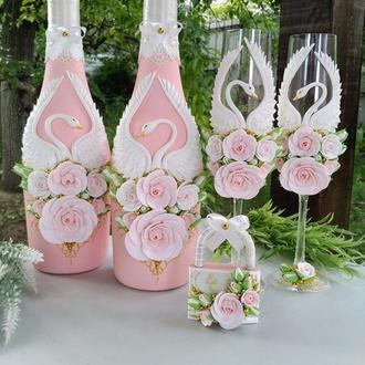 """Свадебное шампанское, бокалы и замочек """" Лебеди"""" в цвете пудра и золото"""