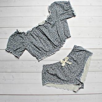 Трикотажная пижама в горошек