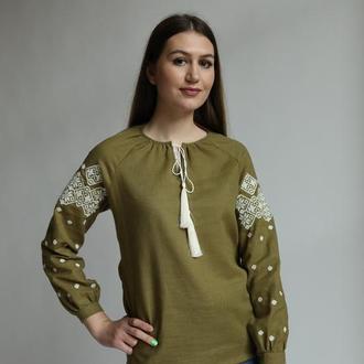 Женская оригинальная вышиванка