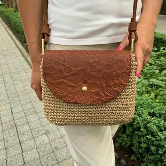 Стильная женская сумка через плечо. Вязаная кроссбоди с кожаным клапаном