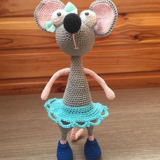 Мышь в юбке