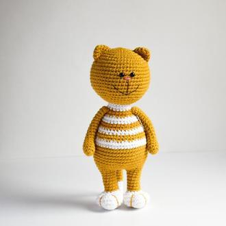 Вязаная игрушка Кот. Подарок новорожденному. Первая игрушка. Эко-игрушка. Игрушка для фотосессии.