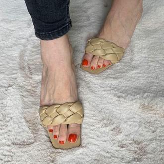 Шлепки плетёные стиль Bottega