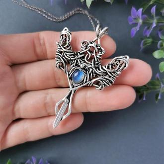 Мужской серебряный кулон кинжал с синим лабрадором. Кулон меч. Оригинальный подарок мужчине