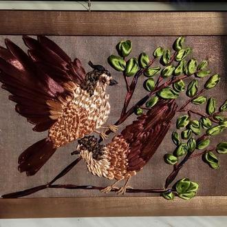 Картина вышитая лентами Птички на ветке