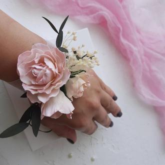 Свадебные бутоньерки на руку