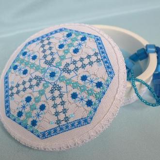 Шкатулка с вышивкой Ледяное кружево