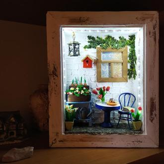"""Румбокс с миниатюрой в виде ночника (светильника) """"Уютный дворик"""""""