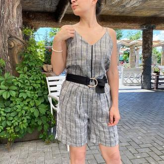 Льняной костюм в полоску с поясом