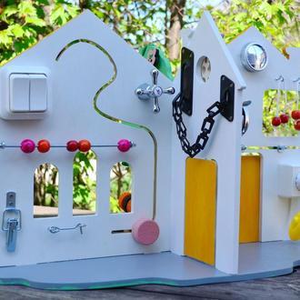 Кукольный домик бизиборд