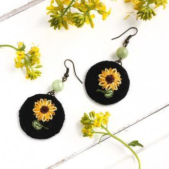 Серьги с подсолнухами Летние серьги с цветами Украшения бохо Ручная вышивка, оникс