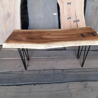 Журнальный столик из массива ореха