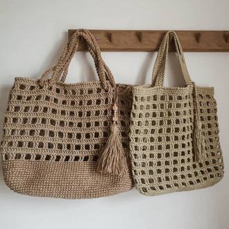Вязаная сумка шопер из джута натурального бежевого оттенка с ручками на плечо
