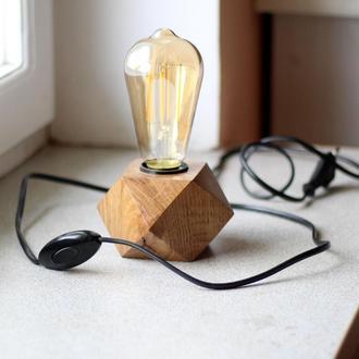Настольный светильник в стиле лофт. Лампа Эдисона.Кубический светильник из дерева дуба.Ночник.