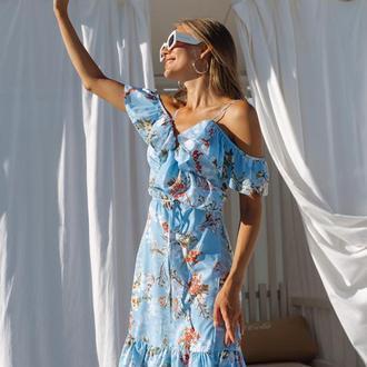 Платье на запах с цветочным принтом и воланами