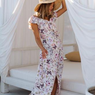 Платье на запах с воланами, цветы и бабочки на светло-желтом фоне