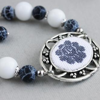 Белый и темно серый браслет из агата Женский браслет на руку Женский браслет из натуральных бусин