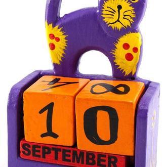 Календарь настольный из дерева Кот