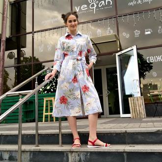 Легкое летнее льняное платье с цветочным принтом