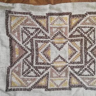 Наволочка на декоративную подушку вышитая крестиком