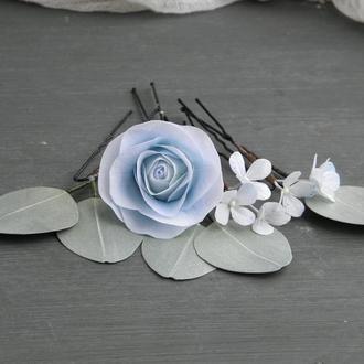 Шпильки для волос с пудрово - голубыми цветами и листьями эвкалипта