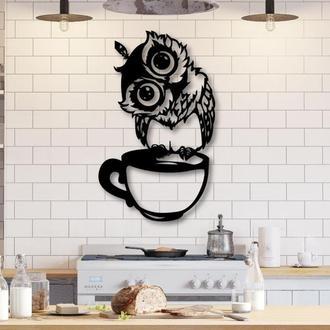 Панно из дерева в форме софы с чашкой кофе