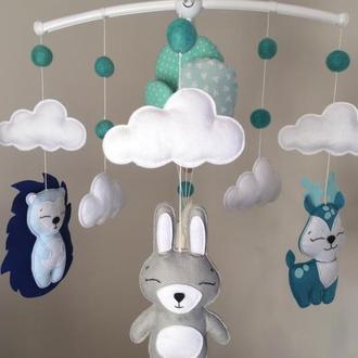 Мобиль из фетра в детскую кроватку «Слоник и воздушные шары»