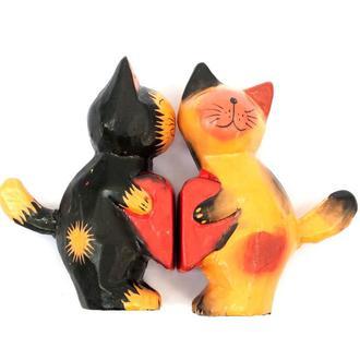 Статуэтка Кошки с сердцем