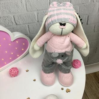Детская вязаная игрушка  «Длинноухий зайка»